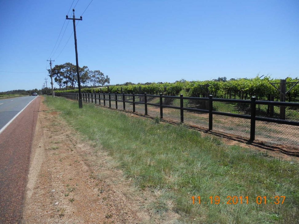 Black Homestyle fencing with mesh