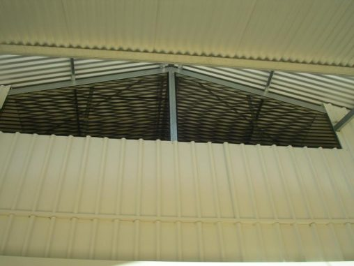 Louvered vents to outside of stable